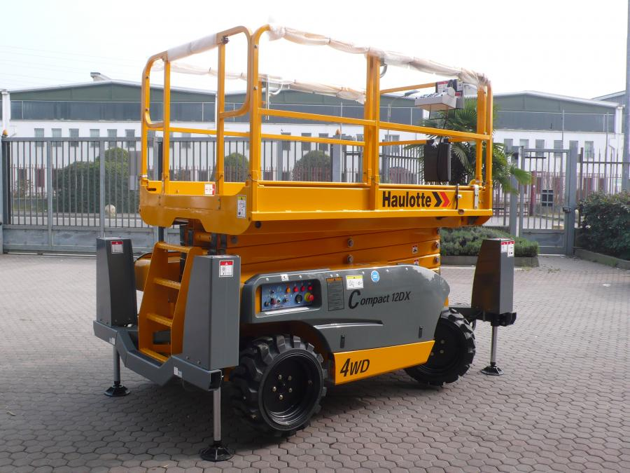 88524Haulotte-Compact-12DX_01